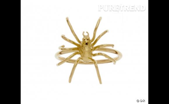 "Bague ""Araignée"" en or jaune, 475 euros."