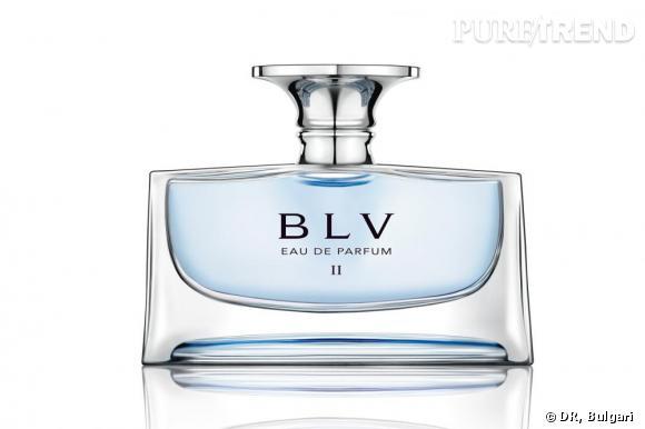 """Blu II  de  Bulgari         Joaillier Outre-alpin, Bulgari joue également dans la cour des parfums. Son dernier-né  Blu II  se veut spatio-intemporel, où le bleu, couleur de l'azur, suggère un souffle d'infini où tout est possible.   Ozonique, écologique avec les pieds bien ancrés dans les délices des senteurs terrestres (violette, anis étoilé, réglisse, iris absolu, vétiver d'Haïti, musc et benjoin),  Blu II  est l'oeuvre olfactive d'un naturaliste et d'un expert : Jacques Cavalier. Il a réussi a concilier un discours """"cosmique"""" avec une élégance liée à la marque du parfum."""