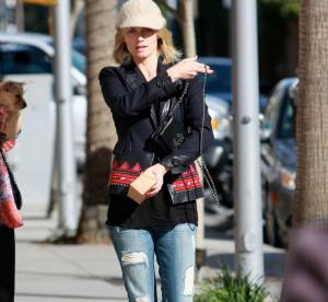 Amber Valletta : un look street et branché... A shopper !