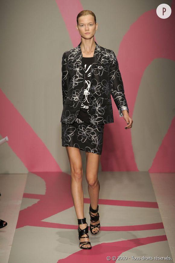 Défilé DKNY - Kasia Struss - New York Printemps Eté 2010