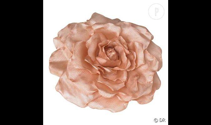 broche new look une fleur en tissu girly et chic prix d 39 origine 4 sold 10 a acheter. Black Bedroom Furniture Sets. Home Design Ideas
