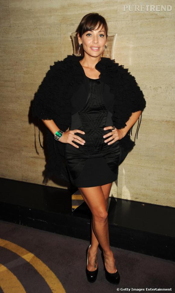 Natalie Imbruglia, divine tout en noir et froufrous