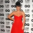 Lily Allen opte pour le style déesse grecque. Un look qui lui va bien.