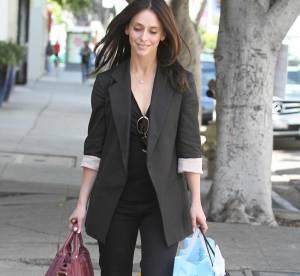 Jennifer Love Hewitt, un look de working girl à shopper !