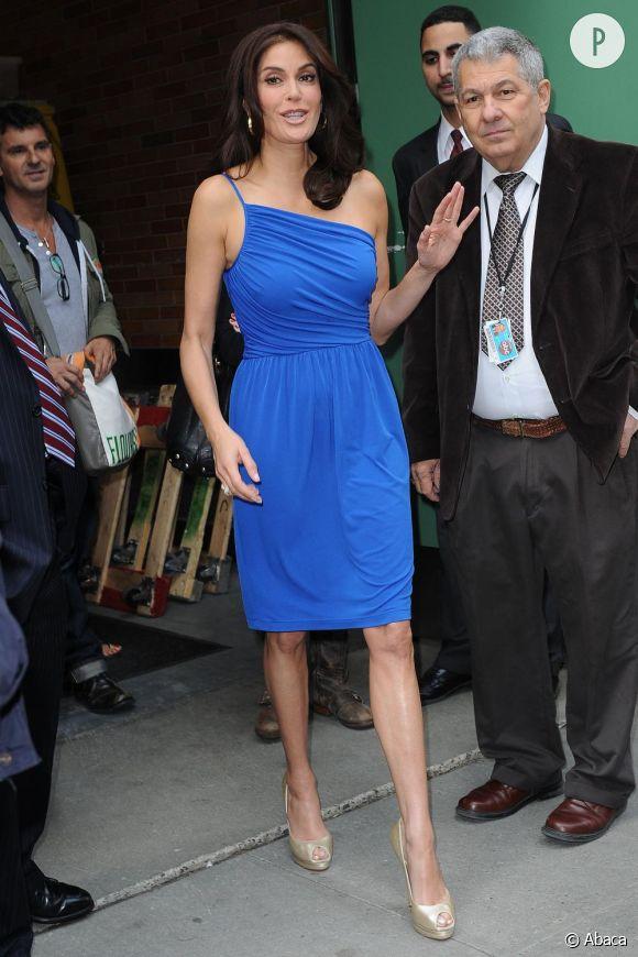 """Teri Hatcher au show """"good morning in america"""" pour promouvoir gethatched.com à New-York"""
