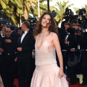 2003 : Virginie Ledoyen en petite fée dans cette robe rose poudrée, transparente et voilée. Ravissant et plutôt sexy.