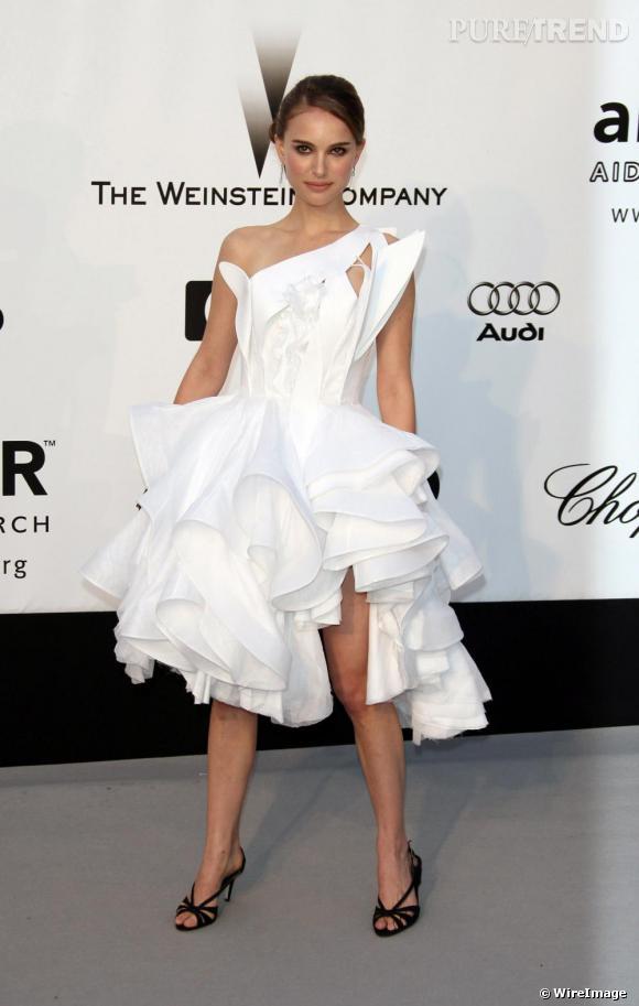 2009 : Natalie Portman, chic et angélique dans une robe Givenchy.