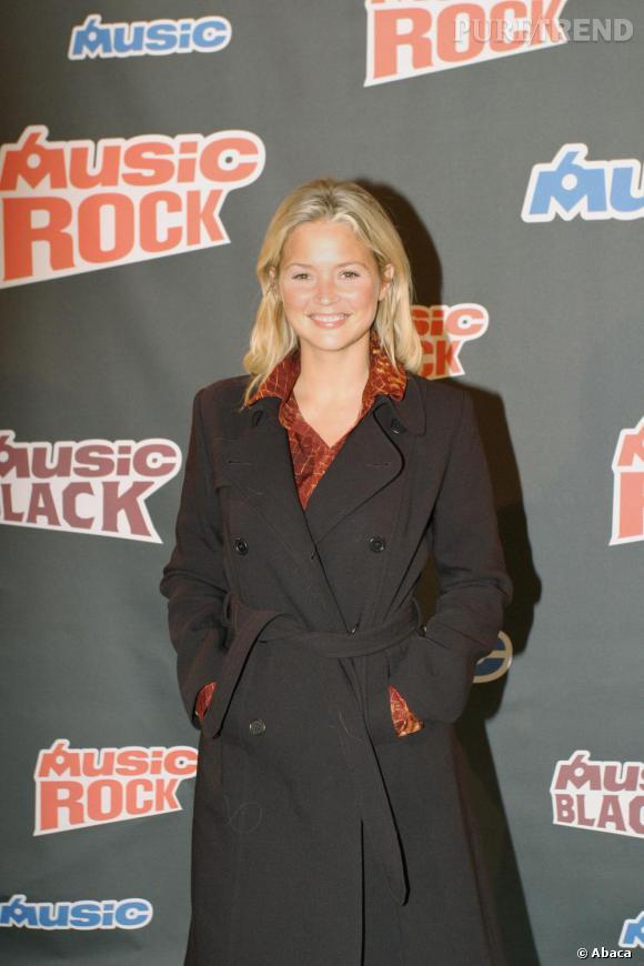 En 2005, Virginie ose le look manteau sur le redcarpet...