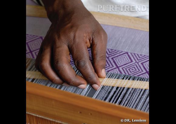 Le tissage à la main des tissus Lemlem