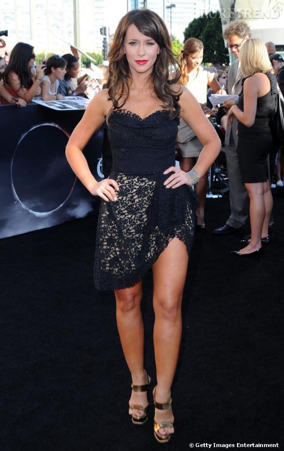 Jennifer Love Hewitt, oversexy en minirobe en dentelle