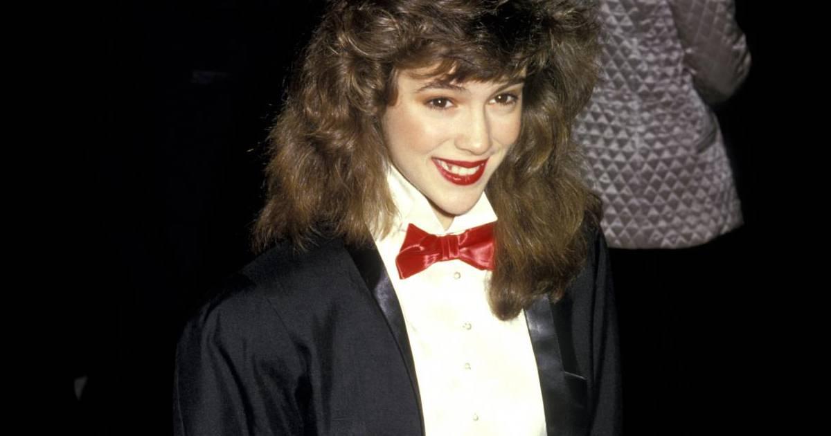 en 1987 alyssa devient une mini star c t coiffure elle subit tant bien que mal les affres des. Black Bedroom Furniture Sets. Home Design Ideas