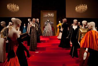 L'exposition Yves Saint Laurent s'offre une nocturne au Petit Palais