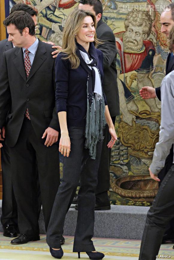 Toutes les occasions sont bonnes pour porter un foulard selon Letizia Ortiz.