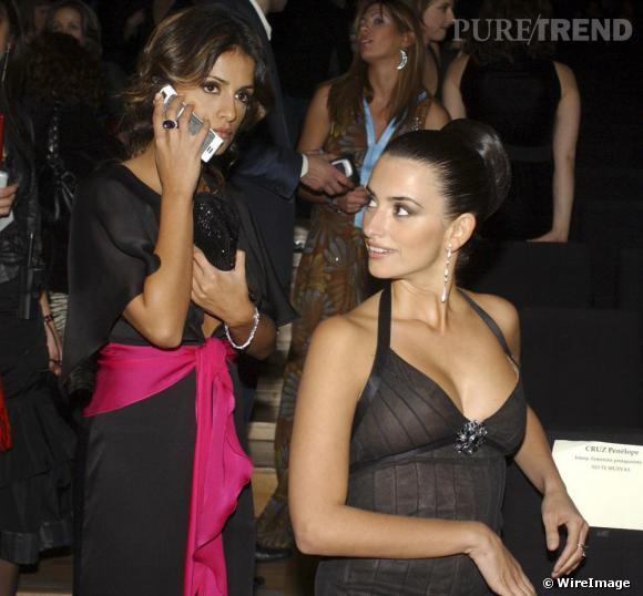 En 2005 les deux soeurs forment un duo de charme incarnant la sensualité espagnole. Si Penelope mise sur la sophistication, Monica est un peu plus girly.