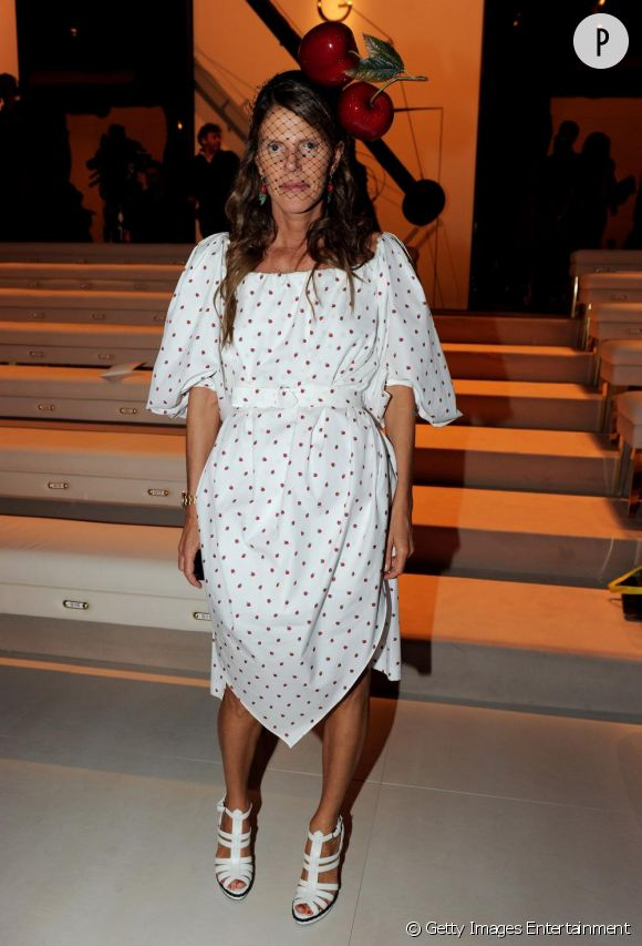Anna Dello Russo en robe Yves Saint Laurent.