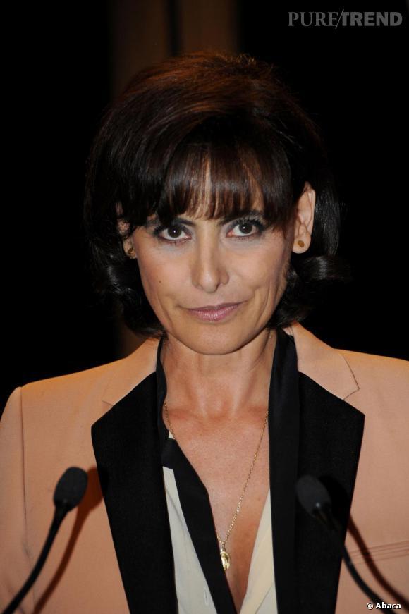 Ines de la Fressange  son évoution coiffure Le court dInes version carré.