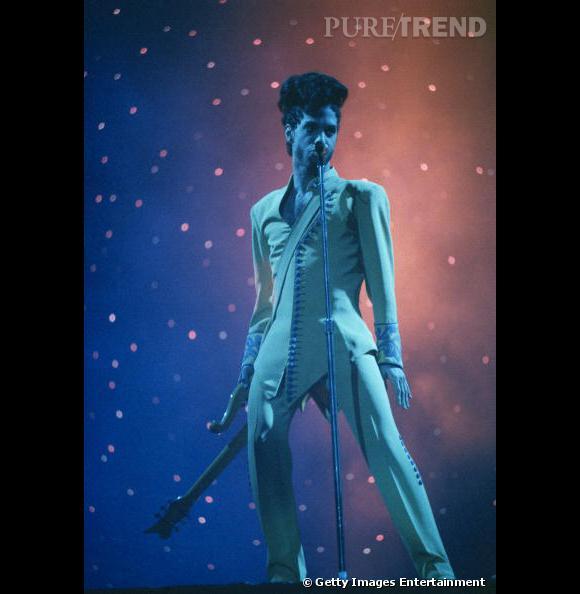 Le chanteur revisite le look du  Petit Prince .