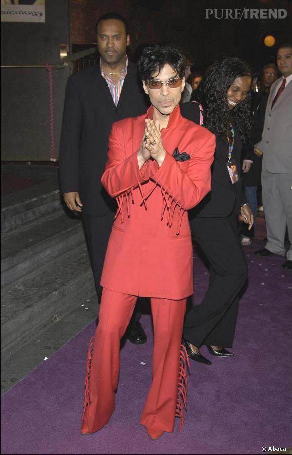 Toujours en 2004, Prince affiche son amour des franges.