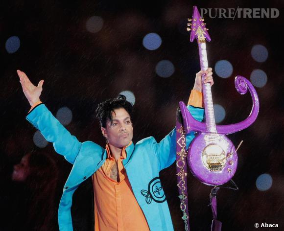 Prince aime la couleur et le prouve lors des Grammy Awards 2007.