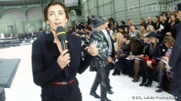 """En """"direct-différé"""" avant le défilé Chanel au Grand Palais, Mademoiselle Agnès commente les tenues de l'assistance:  """"vous n'aurez jamais vu autant de Chanel de votre vie !"""" ."""