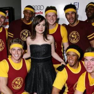 Ellen Page bien entourée !