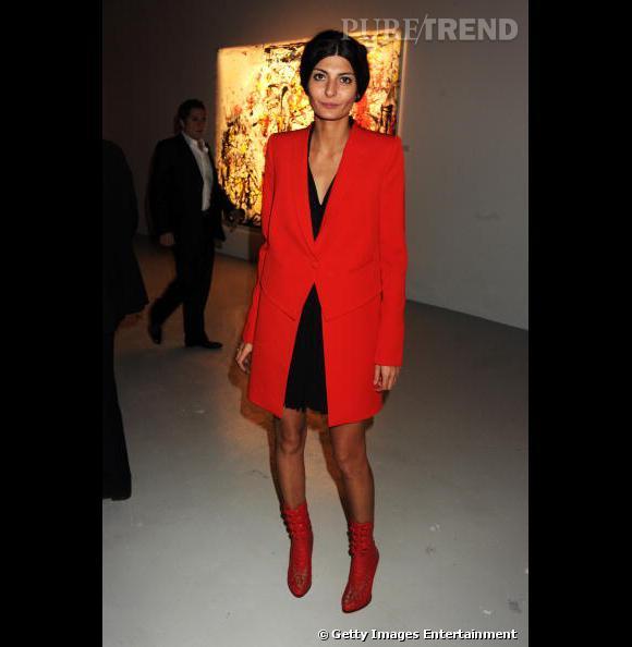 Rouge masculin-féminin pour Giovanna Battaglia.