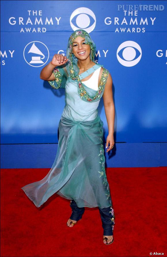 Alicia Keys en 2002, version mille et une nuits.