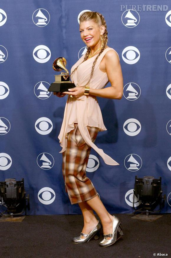 Si en 2005, Fergie remporte un Grammy, côté style c'est pas ça...