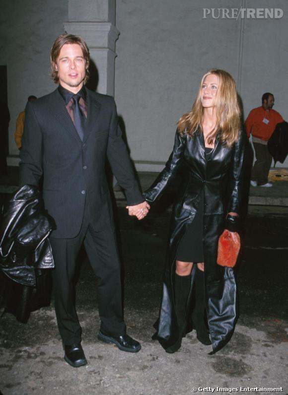 """Le top """"manteau"""" :  look à la  Matrix  pour Jennifer, un style résolument out."""
