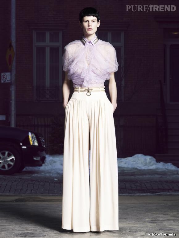 Les nouveaux tops : Saskia de Brauw pour la collection Pre-Fall 2011 de GivenchyNée en : 1981Nationalité : néerlandaiseAgence : DNA ModelsParticularité : a fait la dernière couverture de Carine Roitfeld pour le Vogue français.