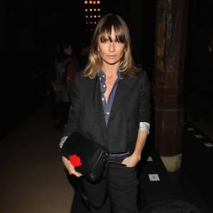 Axelle Laffont, la parisienne masculine. Signes de reconnaissance : les pantalons et les blazers pour une allure toujours masculin-féminin.