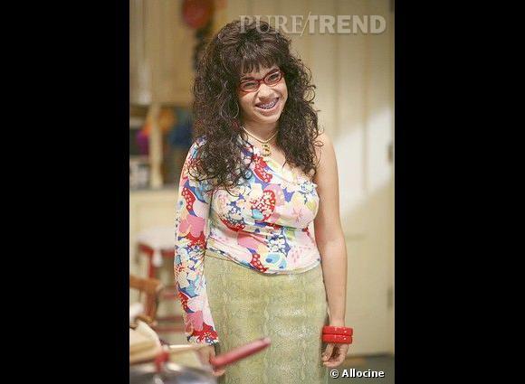 """America Ferrera, exemple même de l'actrice amochée pour la série """"Ugly Betty""""."""