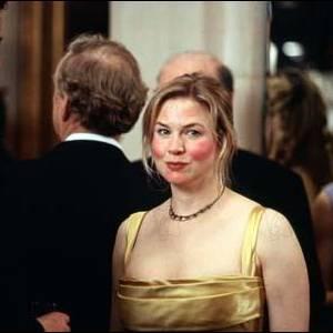 """Renée Zellweger dans """"Bridget Jones"""" a du prendre beaucoup de poids et se maquiller de manière étrange lors d'une scène. Une petite allergie ?"""