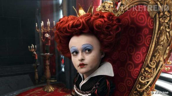 """Dans """"Alice aux Pays des merveilles"""", Helena Bonham Carter prend la grosse tête."""
