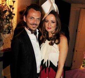 Le créateur Matthew Williamson et une des organisatrices, Lucy Yeomans du Harper Bazaar's.