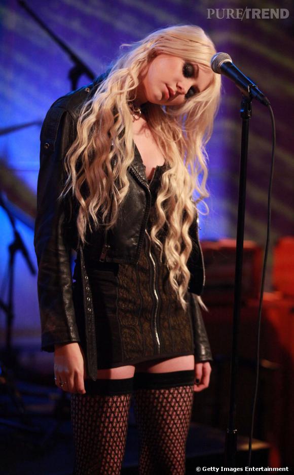 """Taylor Momsen avec son groupe The Pretty Reckless à l'enregistrement de """"Hoppus on music"""", à New York."""