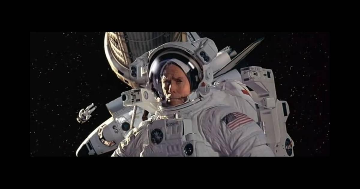 space cowboys de clint eastwood 2000 dernier film en date sur notre h ros qu 39 est l 39 astronaute. Black Bedroom Furniture Sets. Home Design Ideas