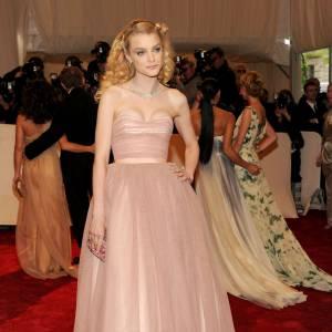 Jessica Stam, poupée couture.