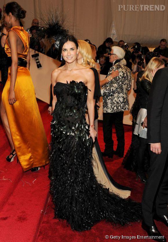 Demi Moore, en robe bustier.