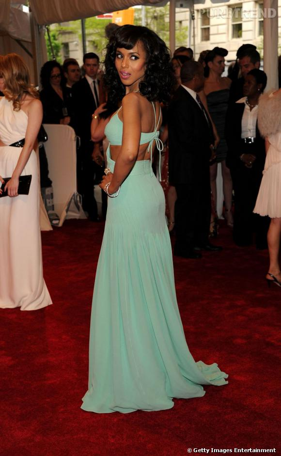 Kerry Washington en robe vert d'eau.