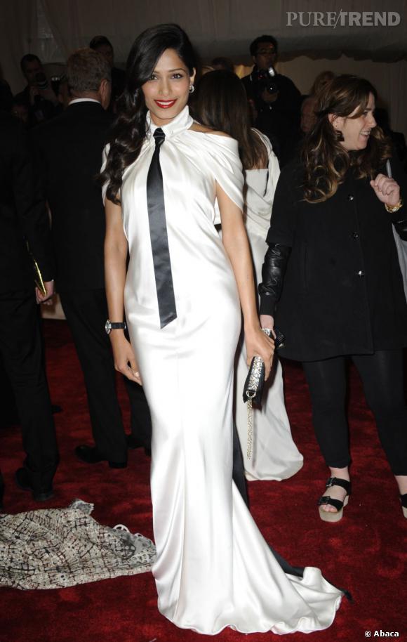 Freida Pinto en Chanel.