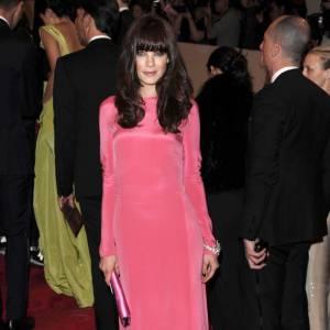 Michelle Monaghan, poupée rose.