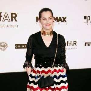 Amira Casar ose la robe ballon et graphique en 2005.