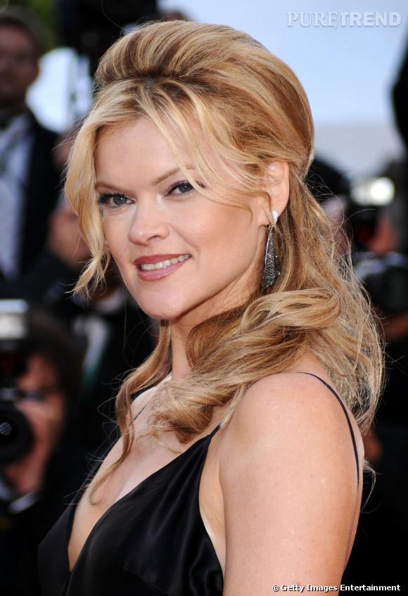Cannes : le splus belles coiffures du dimanche 15 mai      Missi Pyle opte pour une demi-queue volumineuse et ondule ses longueurs.