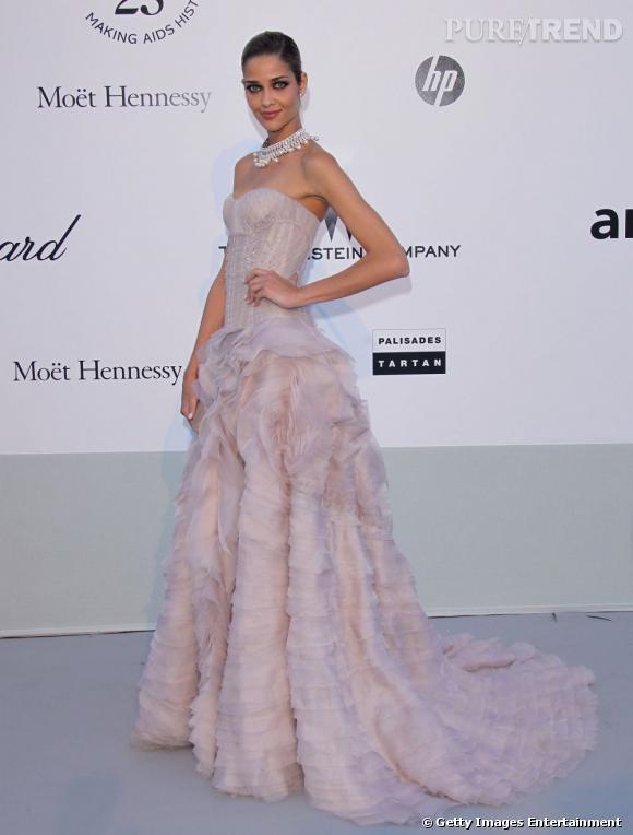 Le top brésilien    Ana Beatriz Barros, princesse couture.