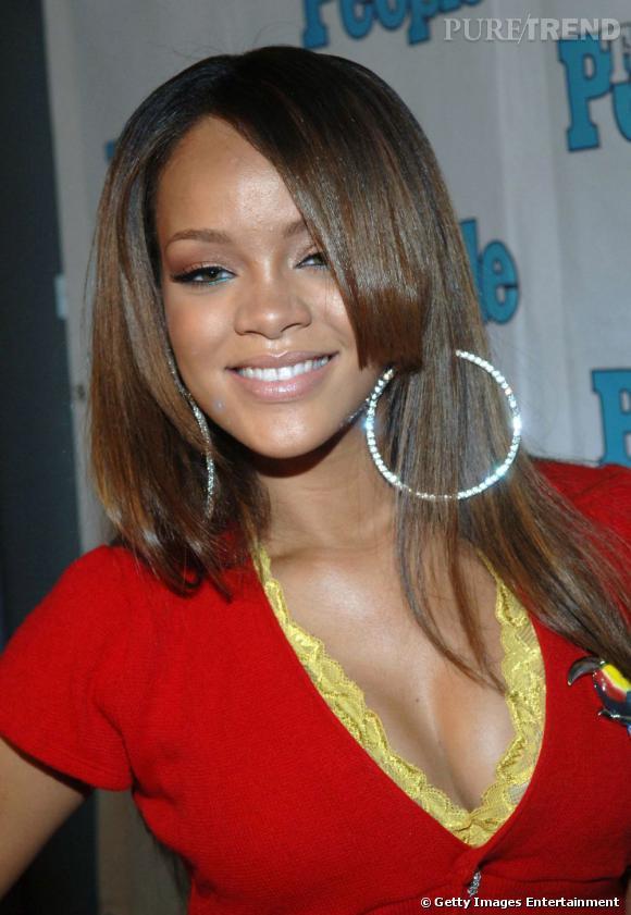 L'évolution coiffure de Rihanna    La crinière se lisse, le dégradé s'effile. Rihanna mise sur le glow de ses cheveux.