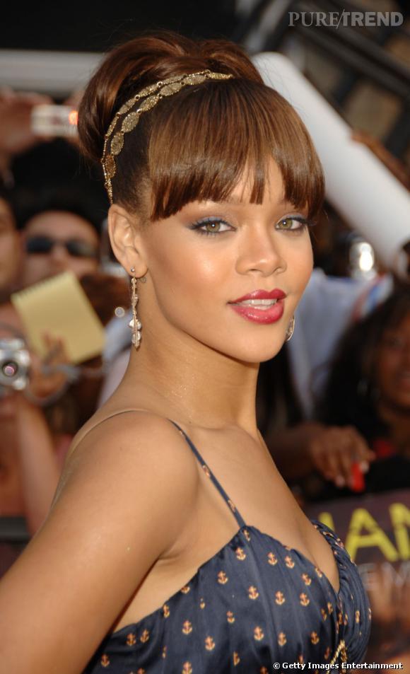 L Evolution Coiffure De Rihanna Les Excentricites Capillaires Ne