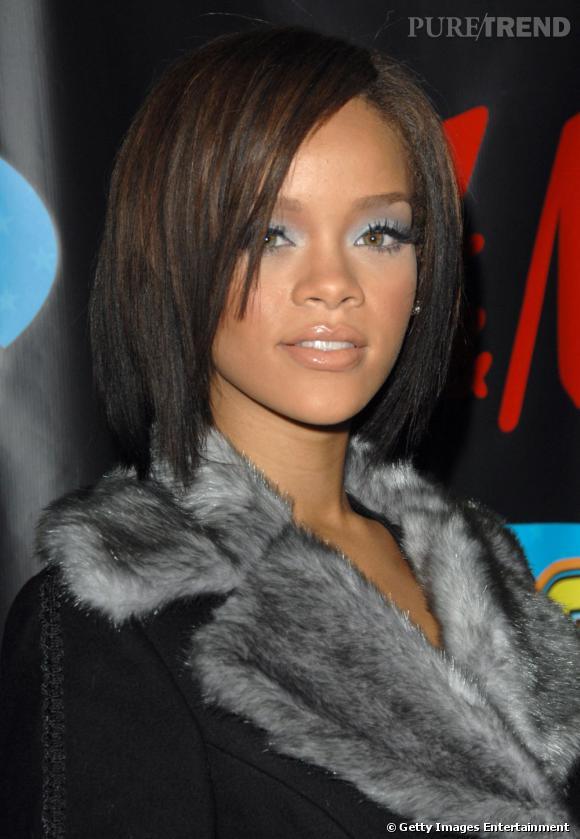L'évolution coiffure de Rihanna    Rihanna change du tout au tout et passe d'une chevelure extra-longue au carré effilé.