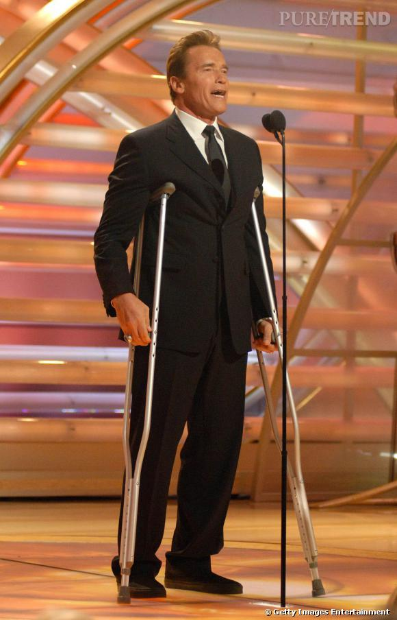 En béquille en 2007, pour les Golden Globes, il opte pour le costume noir et la cravate assortie. Sobre et discret.