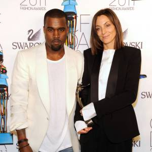 Kanye et Phoebe Philo à qui il a remis l'International Award.